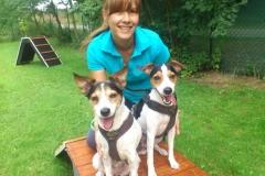 Simone mit ihren Parson-Russell-Mädels Sally & Zazou